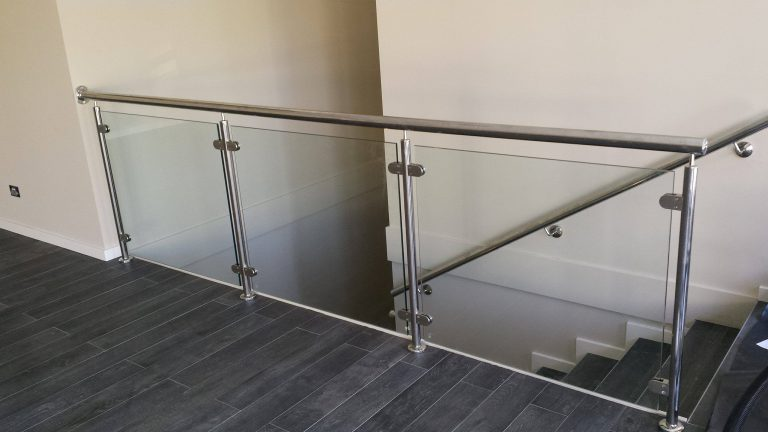 Stainless steel Balustrades, Gates, Fencing and Handrails Image 3
