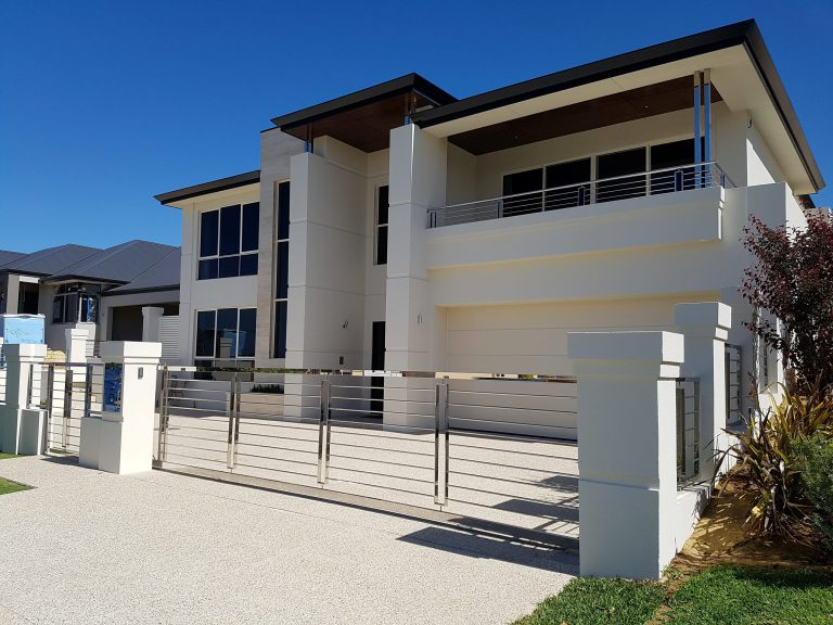 Stainless steel Balustrades, Gates, Fencing and Handrails Image 1