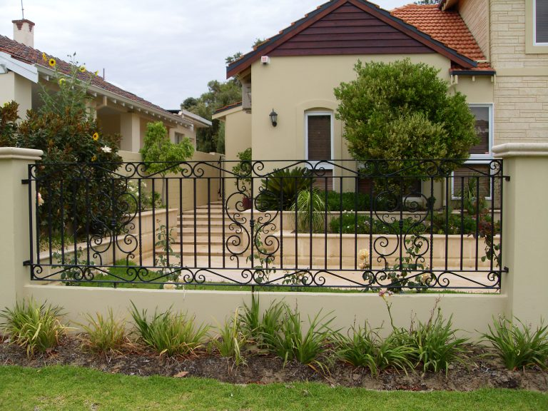 Wrought Iron Gates & Fencing Image 4