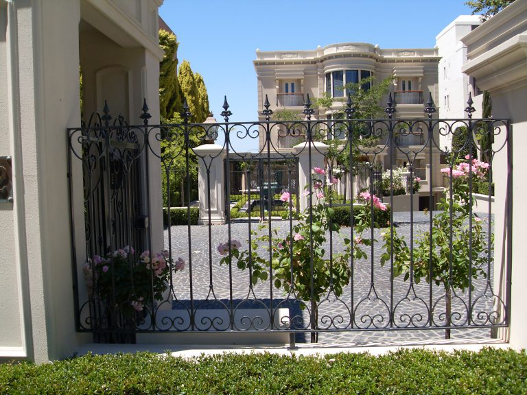 Wrought Iron Gates & Fencing Image 5