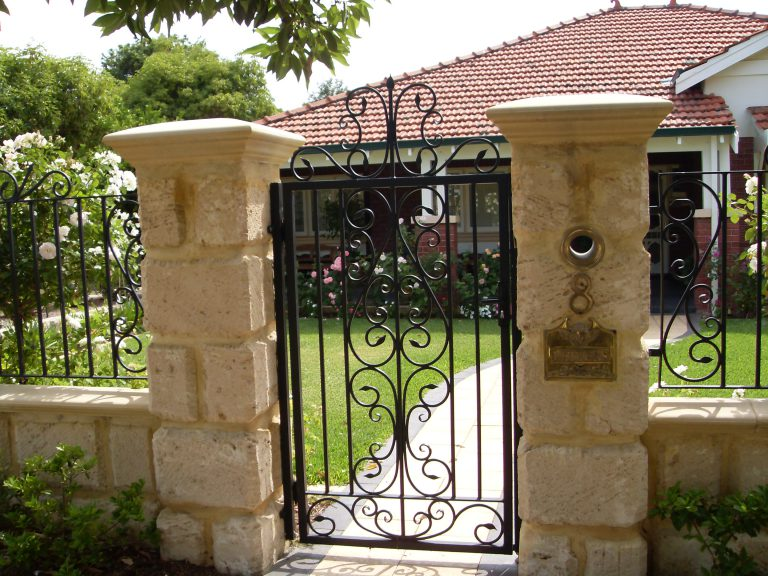 Wrought Iron Gates & Fencing Image 6
