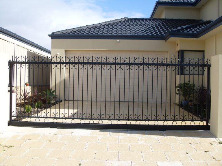 Automatic Gates Image 5