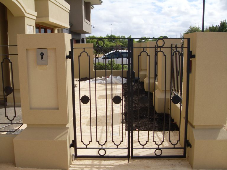 Wrought Iron Gates & Fencing Image 2